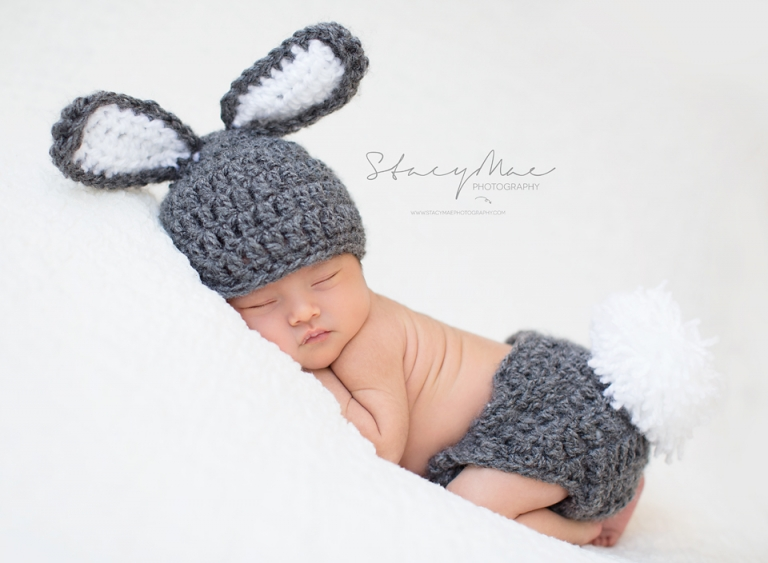 Newborn knit bunny outfit